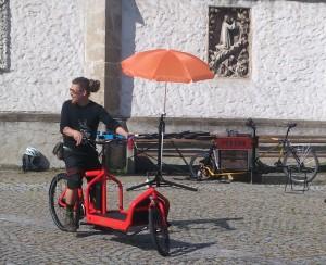 Unser Bullitt und das Werkstattrad im Einsatz in Ottensheim